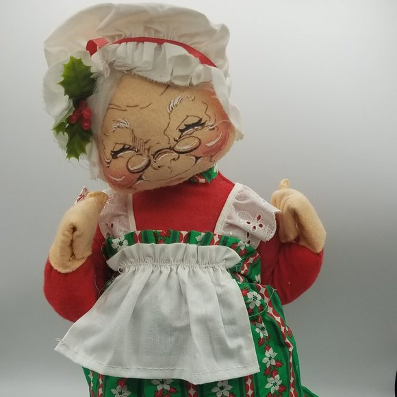 Vintage Annalee Mrs. Claus 17 in tall